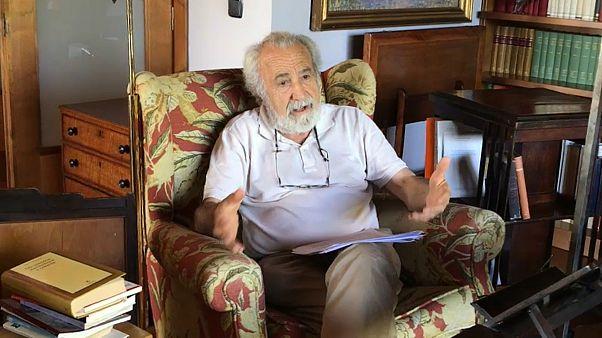El catedrático jubilado de Derecho Constitucional José María Ordóñez Robira durante su entrevista con Euronews