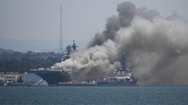 Aux Etats-Unis, un navire militaire s'embrase à San Diego