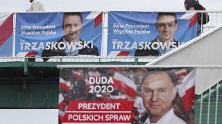 Πολωνία: Προς οριακή νίκη στις εκλογές οδεύει ο Αντρέι Ντούντα