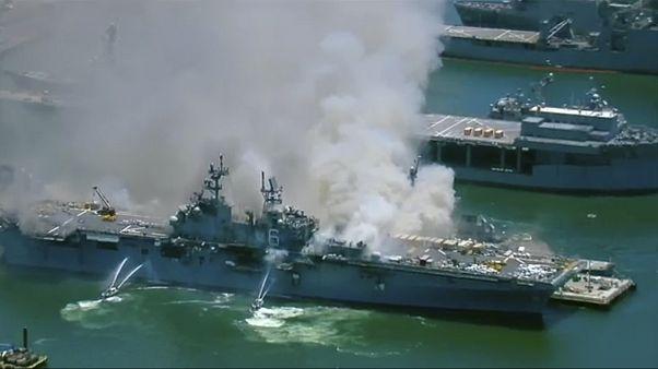 Robbanás egy amerikai hadihajón