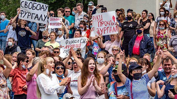 Rusya'da binlerce kişi Putin'i istifaya çağırdı