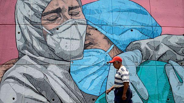 Mural sobre la covid-19 en Acapulco, México