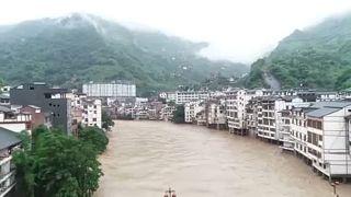 Döbbenetes számok a kínai Jangce folyó áradásával kapcsolatban