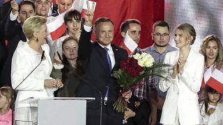 Πολωνία: Δεύτερη θητεία για τον Αντρέι Ντούντα με βάση τα σχεδόν τελικά αποτελέσματα