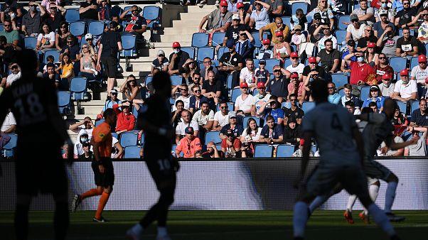 Des spectateurs en tribune dans le stade Océane au Havre pour la première rencontre avec public depuis le confinement, match amical entre le PSG et Le Havre Athletic Club