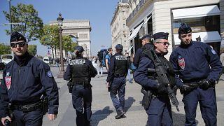 صورة أرشيفية لانتشار عناصر من الشرطة الفرنسية في باريس