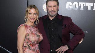 الممثلة كيلي بريستون وزوجها جون ترافولتا