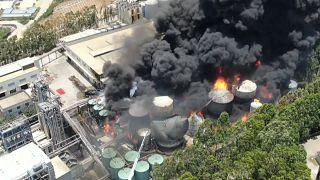 Hatalmas tűzkár egy kelet-kínai olajfinomítónál