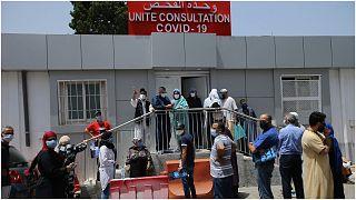 فيديو لجثة ملقاة عند مدخل بمستشفى في الجزائر يثير غضبا واسعا على مواقع التواصل
