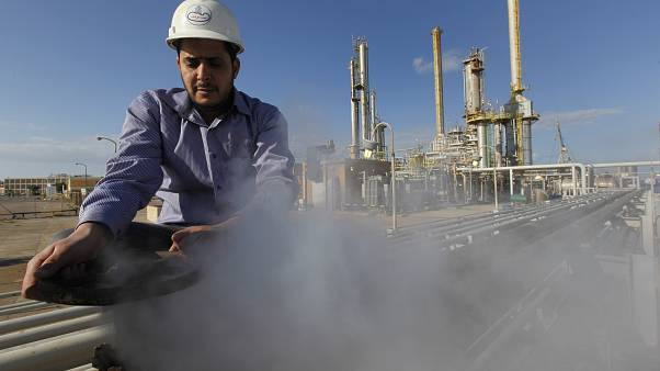 القوات الموالية للمشير خليفة حفتر تضع شروطًا لرفع الحصار النفطي