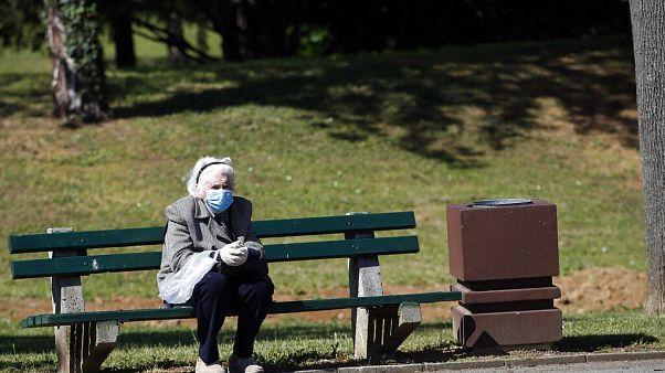 Szerbiában tovább romlott a járványhelyzet, több európai kormány is szigorít