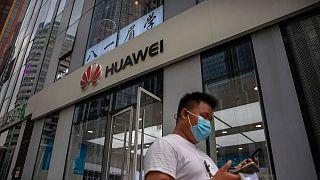 Britisches 5-G-Netz: Gesetzlicher Bann gegen chinesischen Anbieter Huawei