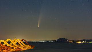 A Neowise üstökös látványa a Balaton-felvidék fölött