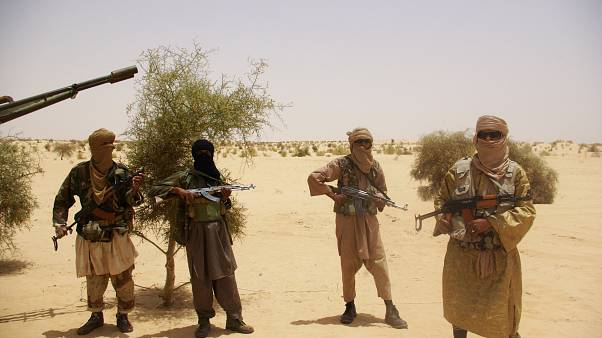 Mali'nin tarihi çöl kenti Timbuktu'yu ele geçiren Ensaruddin örgütüne mensup militanlar