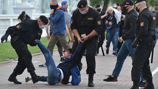 Стихийные протесты и аресты в Беларуси