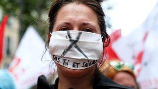 El uso obligatorio de la mascarilla se extiende por Europa
