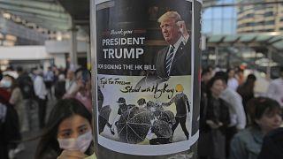 صورة للرئيس الأمريكي دونالد ترامب أثناء احتجاجات هونغ كونغ في ٢٠١٩
