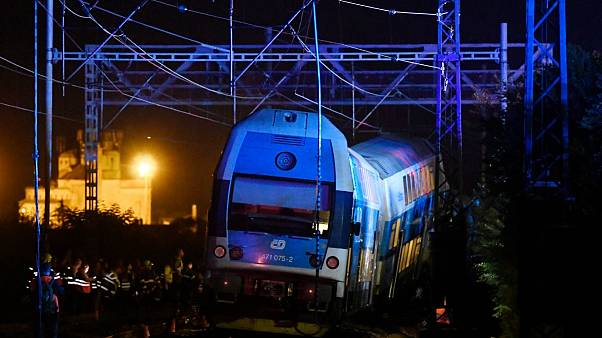 تصادف قطار مسافربری و باری در جمهوری چک کشته برجای گذاشت