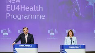 Ευρωπαϊκή Επιτροπή: Να μην συνυπάρξουν εξάρσεις γρίπης και κορονοϊού