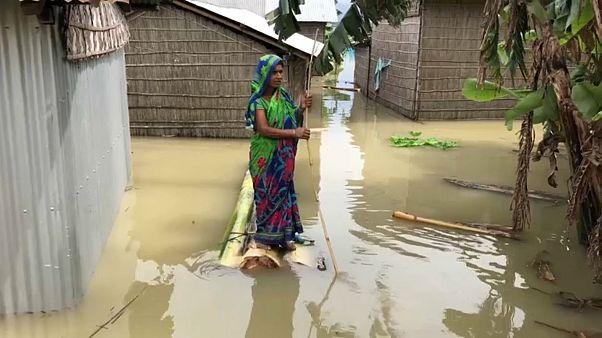 سیل ویرانگر در هند و بنگلادش ۲ میلیون نفر را آواره کرده است