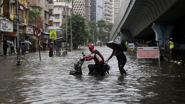Indien: Der Monsunregen treibt Millionen in die Flucht