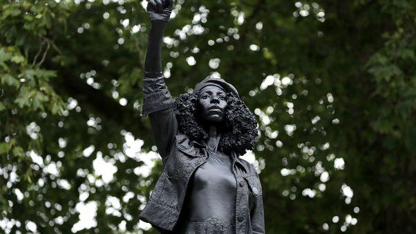 Black Lives Matter : la statue de Bristol installée en secret a été retirée