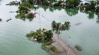 شاهد: أربعة ملايين متضرر جراء الفيضانات في بنغلادش