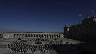 تكريم ضحايا كوفيد-19 في إسبانيا