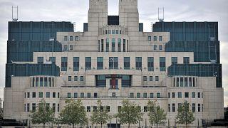 روسيا تنفي اتهامات بريطانيا بقرصنة أبحاث حول لقاح ضد كوفيد-19