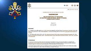 """Vaticano: """"manuale di istruzioni"""" contro la pedofilia"""