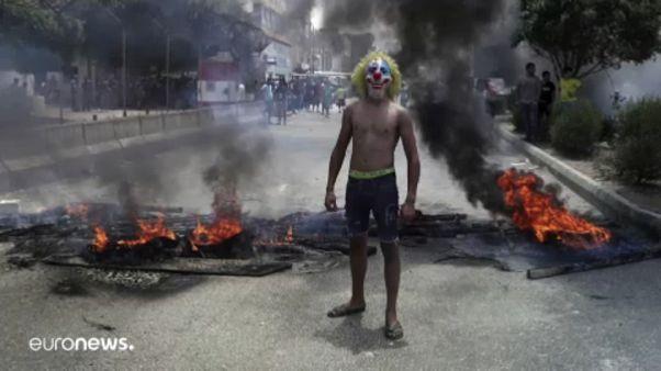 Joker maszkban demonstrált egy kormányellenes tüntető Bejrútban.