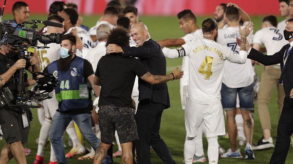 ريال مدريد يتوج بلقب الدوري الإسباني للمرة الرابعة والثلاثين