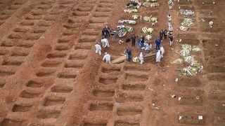 في داخل إحدى المقابر في ساو باولو البرازيلية