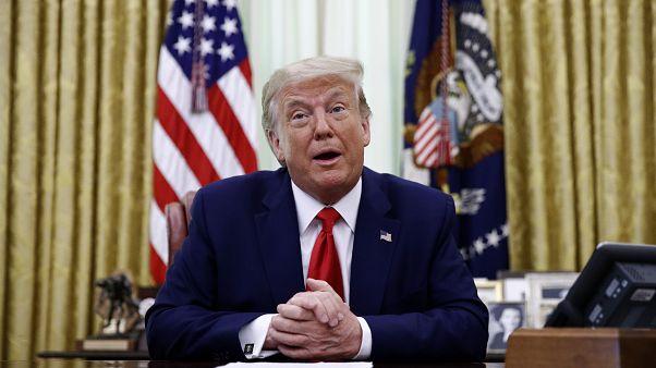 ترامب متحدثاً إلى الصحافة في البيت الأبيض في وقت سابق من هذا الشهر