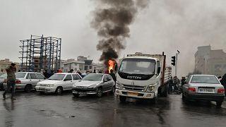 من احتجاجات زيادة أسعار الوقود في إيران