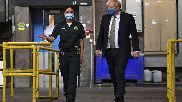 Boris Johnson riapre gli uffici dal 1 agosto (ma solo in Inghilterra)