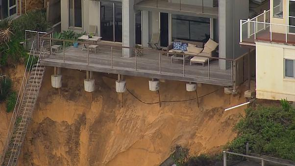 Beach erosion in Australia leaves residents on edge