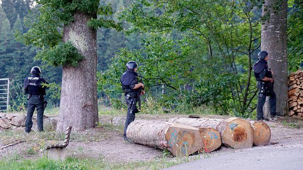 Mit Beil und Waffen: 31-Jähriger im Schwarzwald gefasst