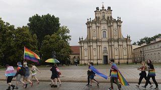 Varşova'da LGBT ayrımcılığına karşı eylem yapan göstericiler, 21 Haziran 2020