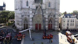 Пожар в соборе Святых Петра и Павла в Нанте: главная версия - поджог
