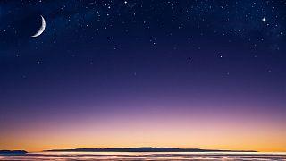 چگونه میتوان یکشنبه پنج سیاره و هلال ماه را بدون تلسکوپ تماشا کرد؟