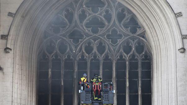 Wer ist der Brandstifter von Nantes? Helfer wieder freigelassen