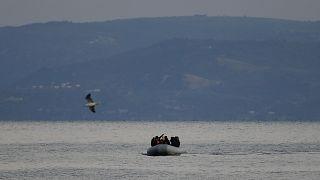 مهاجرون يقتربون من الحدود اليونانية