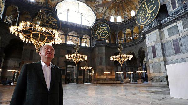 Erdoğan visita a basílica reconvertida em mesquita Hagia Sophia
