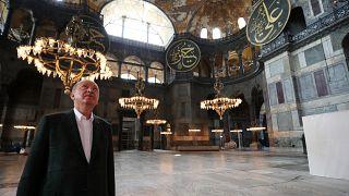 الرئيس التركي رجب طيّب إردوغان في آيا صوفيا