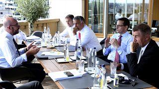 الأوروبيون يكثفون محادثاتهم لتجنب إخفاق في إقرار خطة إنعاش اقتصادي