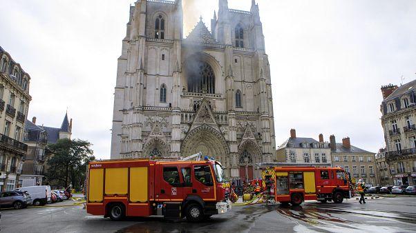 El principal sospechoso del incendio de la Catedral de Nantes queda en libertad