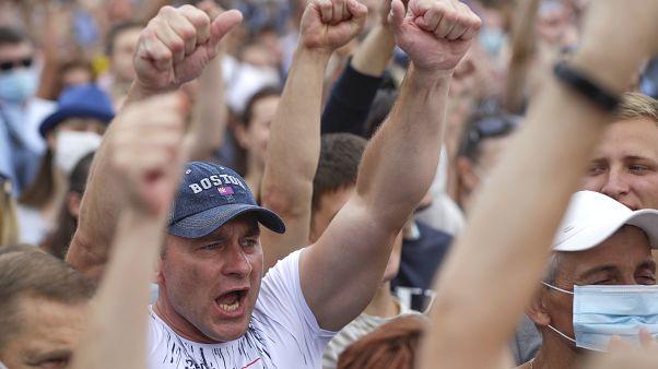 Тысячи сторонников Тихановской на митинге в Минске