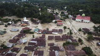 Endonezya'nın Güney Sulawesi eyaletinde etkili olan şiddetli yağışlar