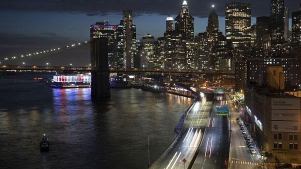 مانهاتن أثناء تفشي فيروس كورونا في نيويورك